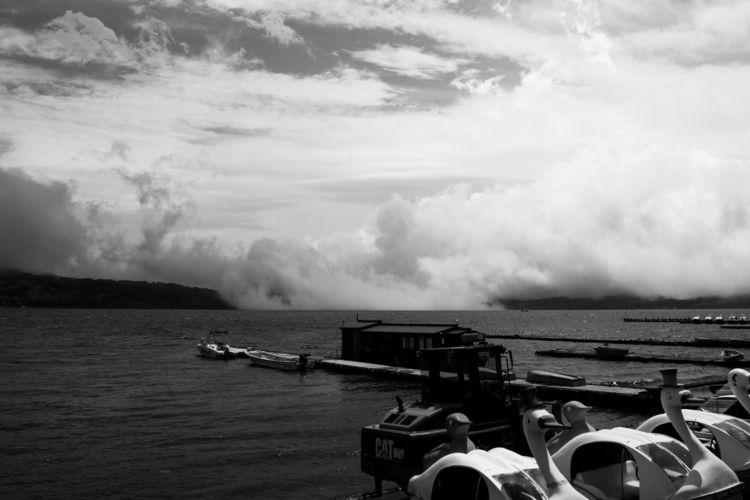 Clouds lake Mount Fuji, Japan - travel - ultimorefugio   ello