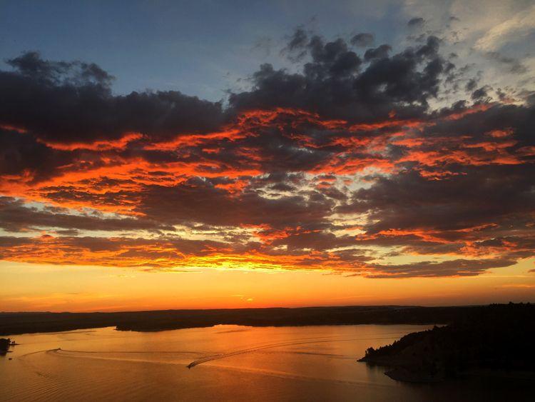 sunset Glendo Reservoir State P - bikesandflies | ello