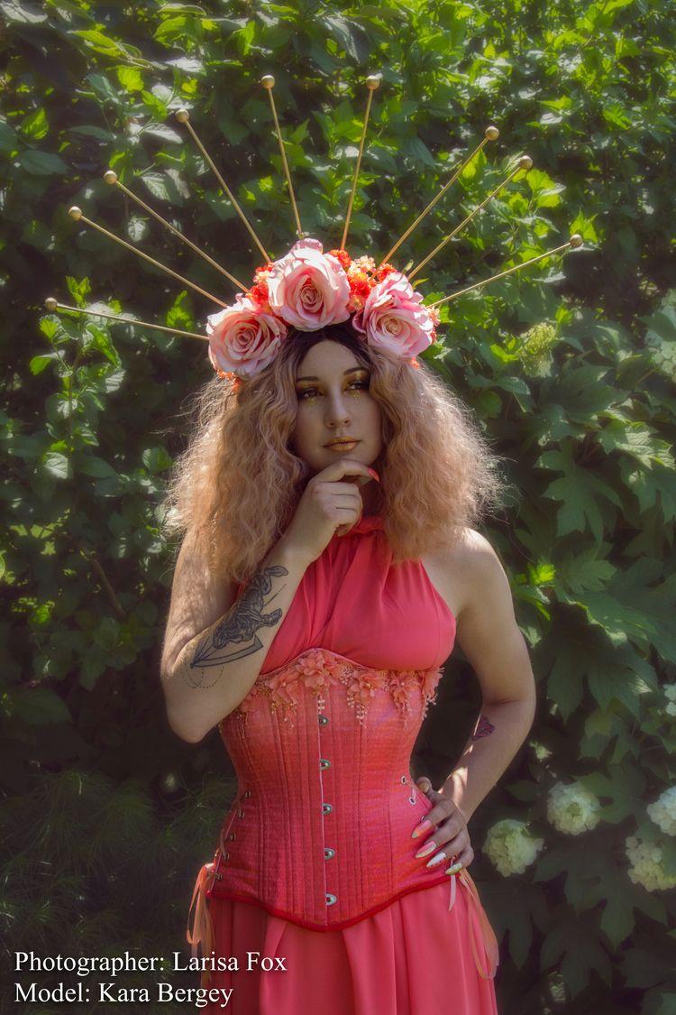 Photography/Headdress: Larisa F - larisafox | ello