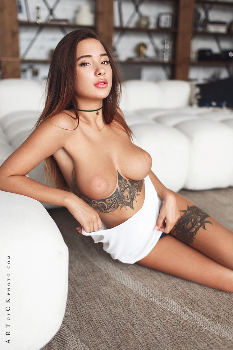 brunette, tits, boobs, tattoo - ukimalefu | ello