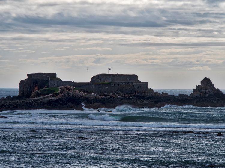 Fort Clonque - Alderney Victori - neilhoward | ello