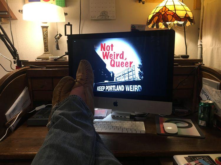 Weird, Queer LIVE! Turn sit rel - not_weird_queer | ello