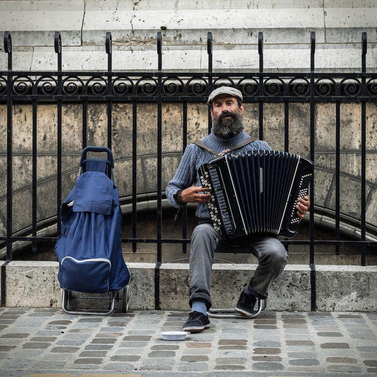Street musician - photography, city - urbanart   ello