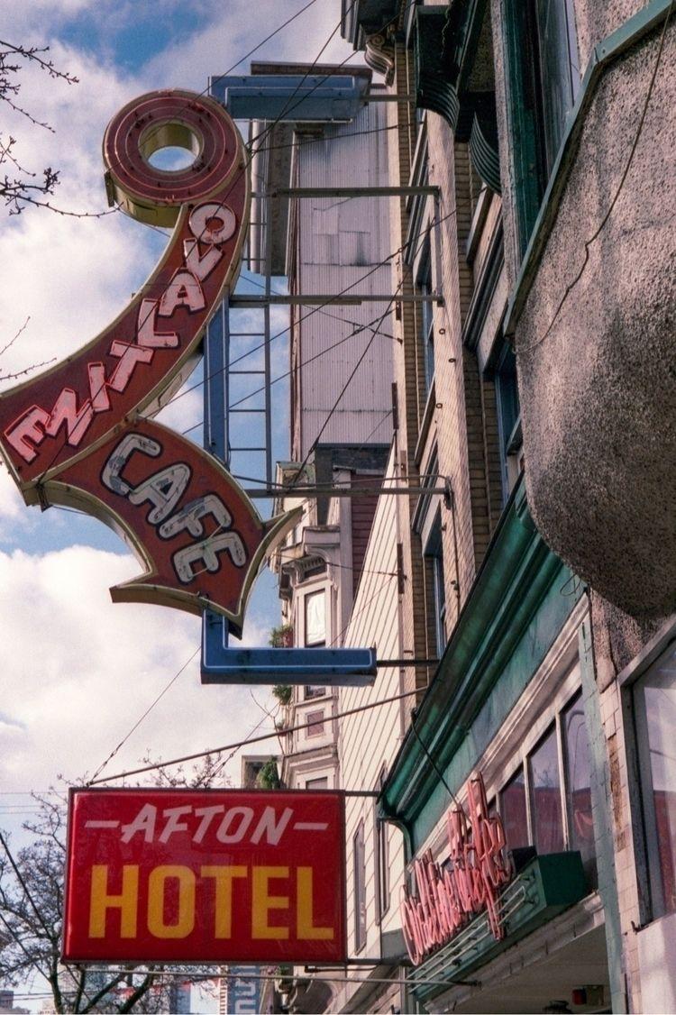 Vancouver vintage neon - minoltacle - kch | ello