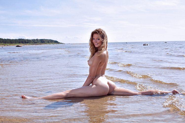 blonde, tits, ass, naked, nude - ukimalefu | ello