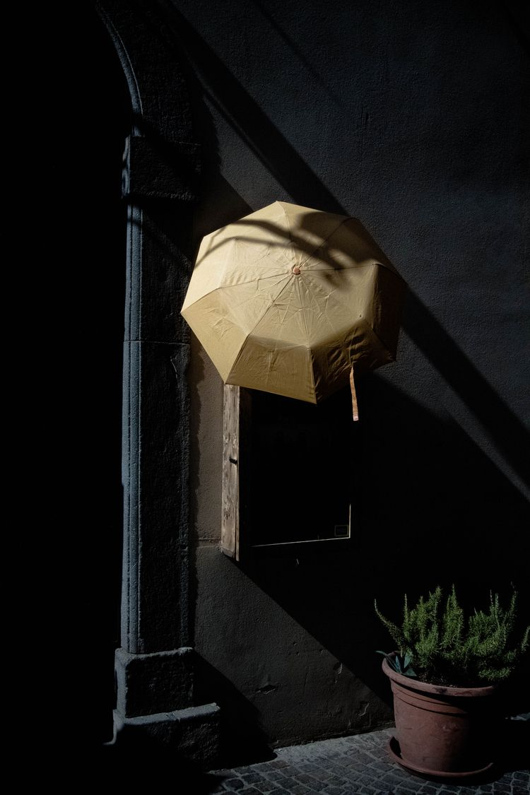 streets, streetphotography - leilahichri | ello