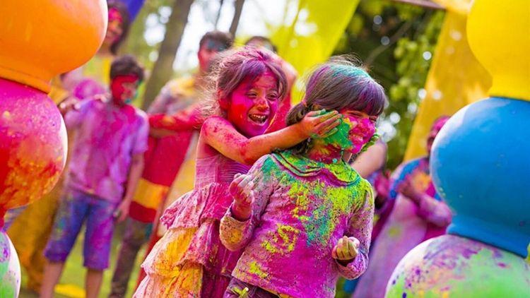 Holi festival love colors signi - turban | ello