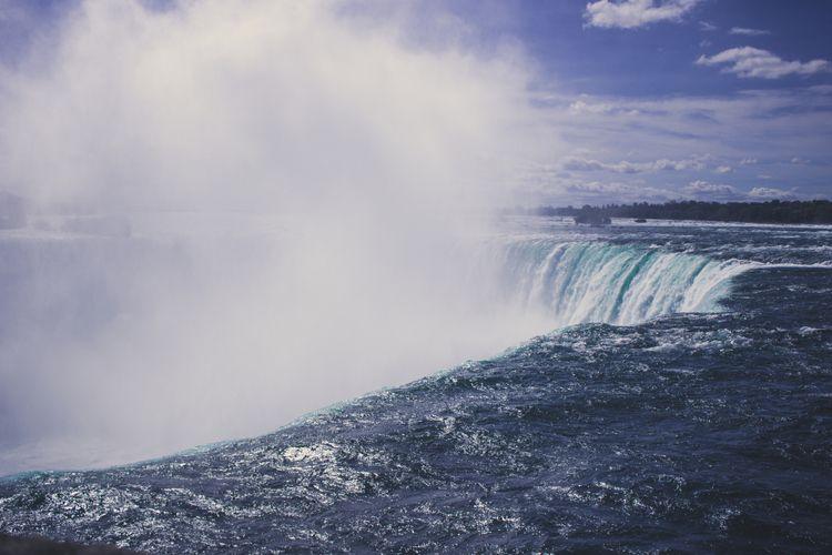 1 niagara - top falls - niagarafalls - parkerbruer | ello