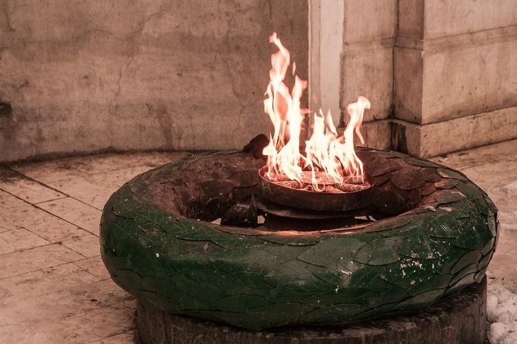 ends - fire, burning, sarajevo, bosnia - littlefathertime   ello