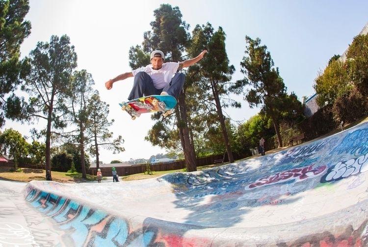 Emmanuel Guzman | Derby Park - santacruz - photobiram | ello