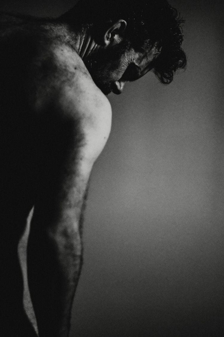 selfportraitartist - shawn_moreton_photography | ello