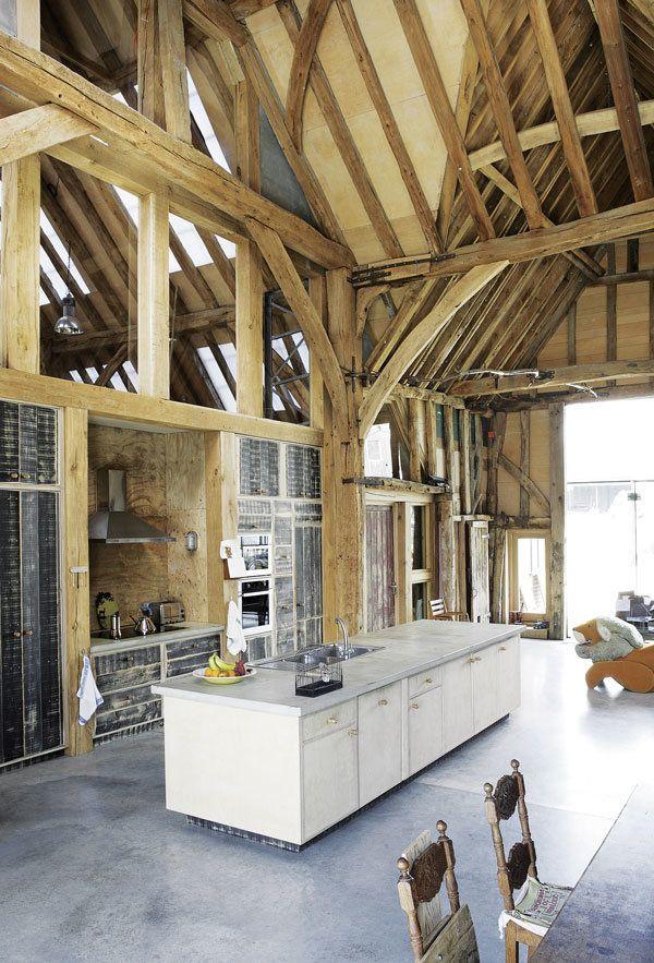 En Angleterre, une grange du XV - atelierrueverte | ello