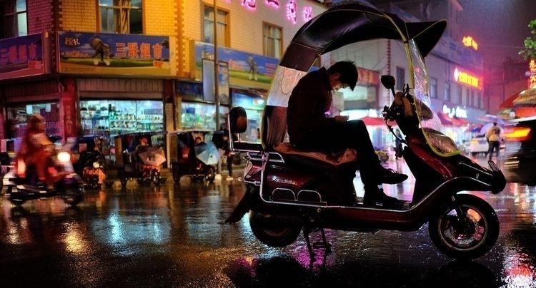 Electric scooter taxi rider wai - ivanmon7oya | ello