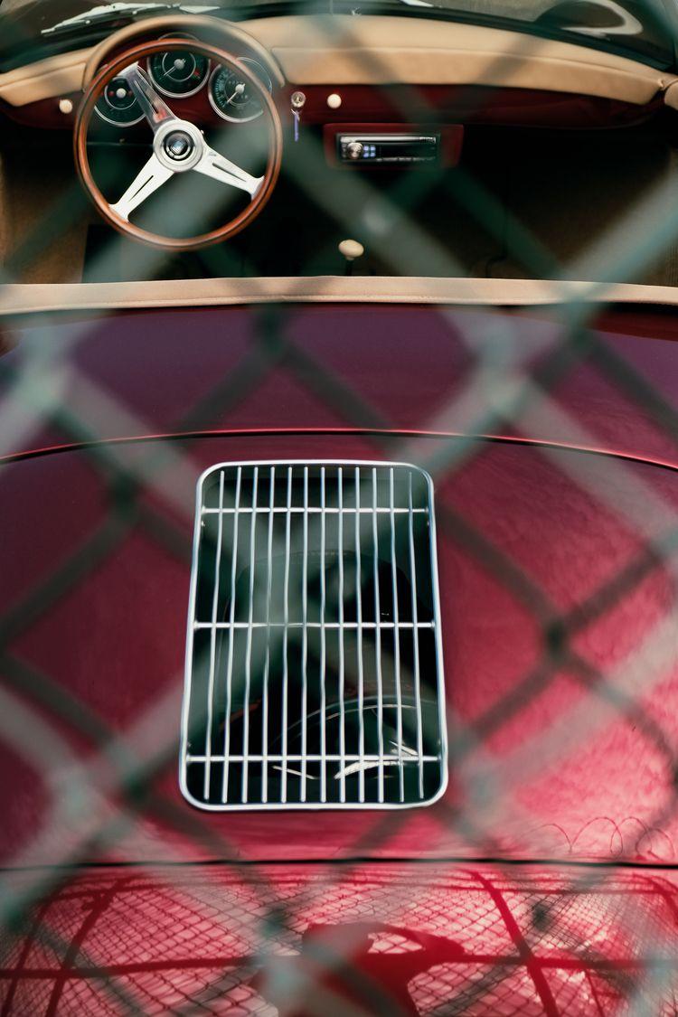 portrait Speedster - xseries, streetphotography - kch | ello