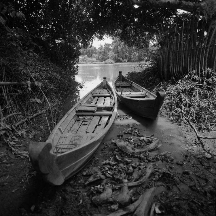 monsoon season, people home. bo - otherworlds | ello