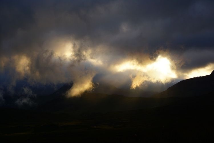 Snowdonia. 1st Sept '18 Clouds  - greyswan   ello