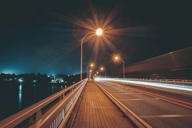 Night speed, shiny lights, brid - fokality | ello