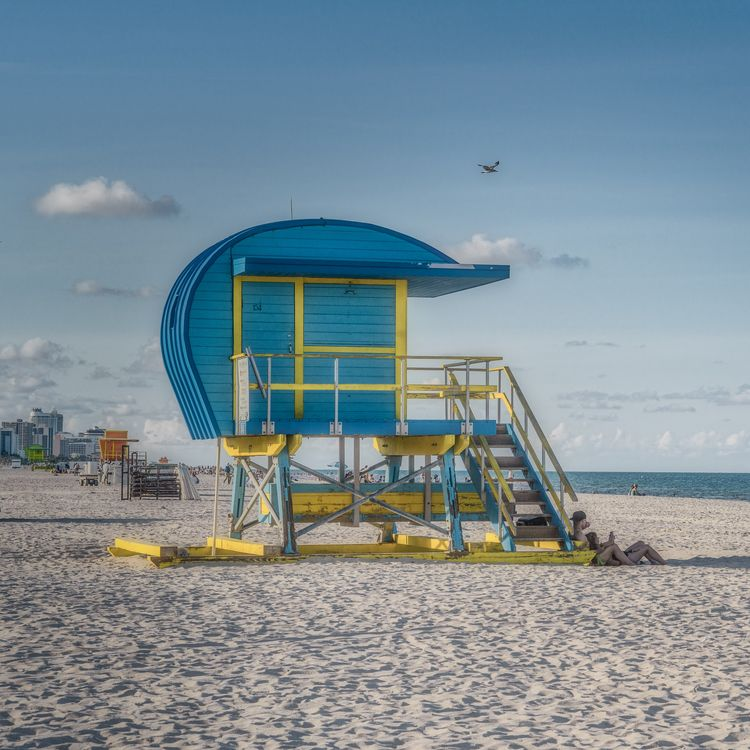 lifeguard stands Miami Beach fu - rickschwartz | ello