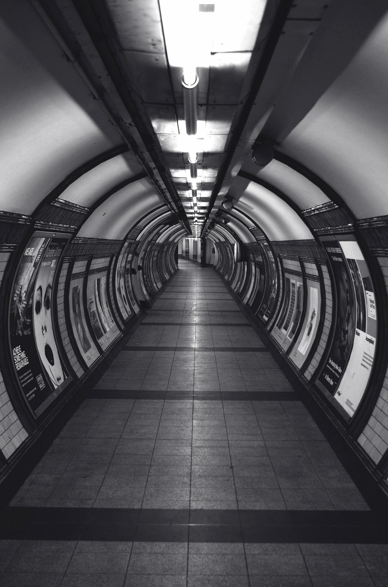 Embankment Underground Train St - eye-dj | ello