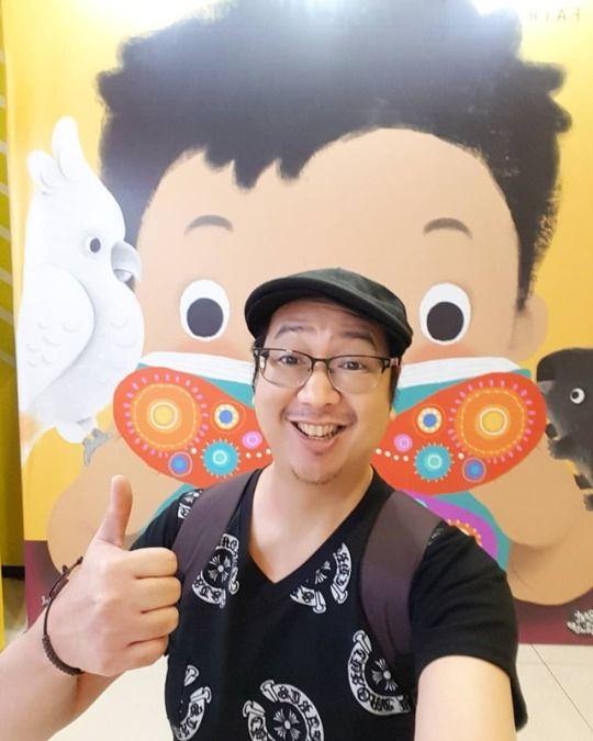 Photo 39th Manila International - vicsimon | ello
