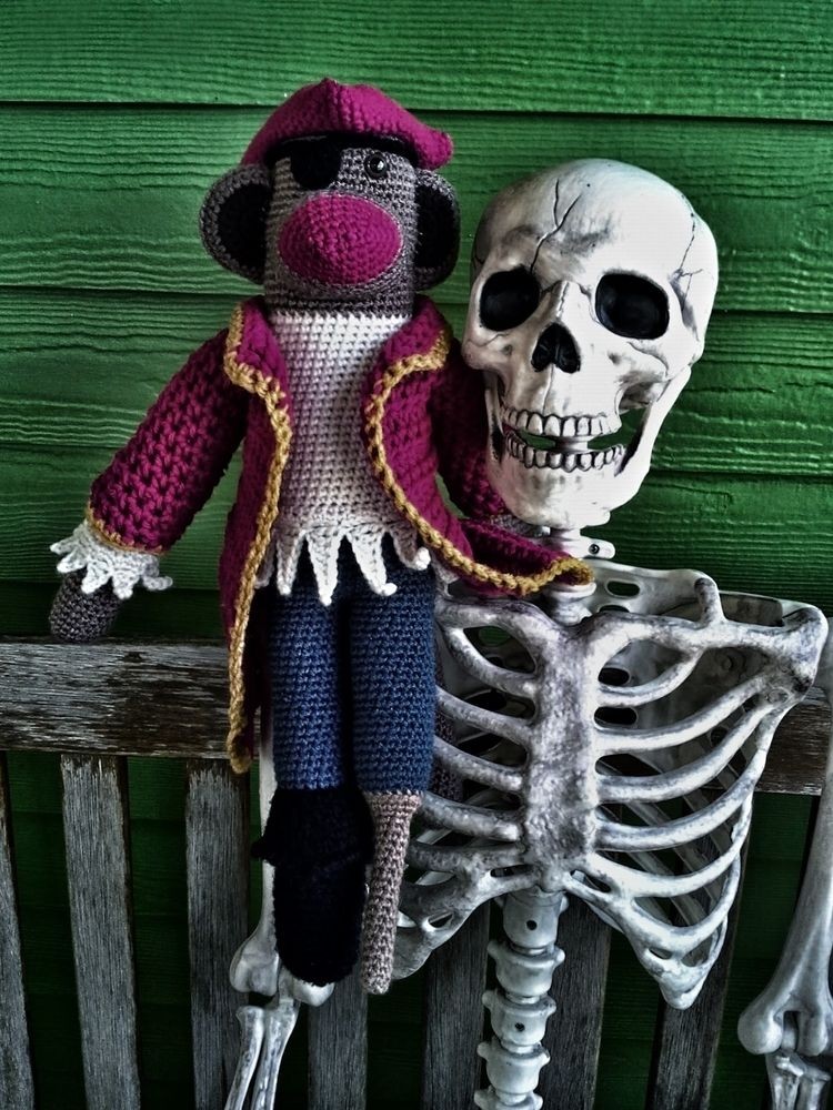 Joro SpokesMonkey Jolly Roger R - miniaturemonkeycreations | ello
