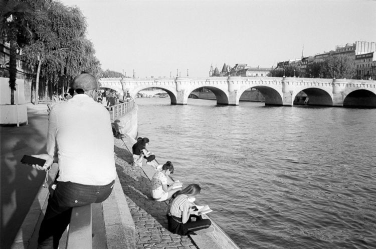 Evening Seine, Paris (2018 - LeicaM4 - stanleyomar | ello