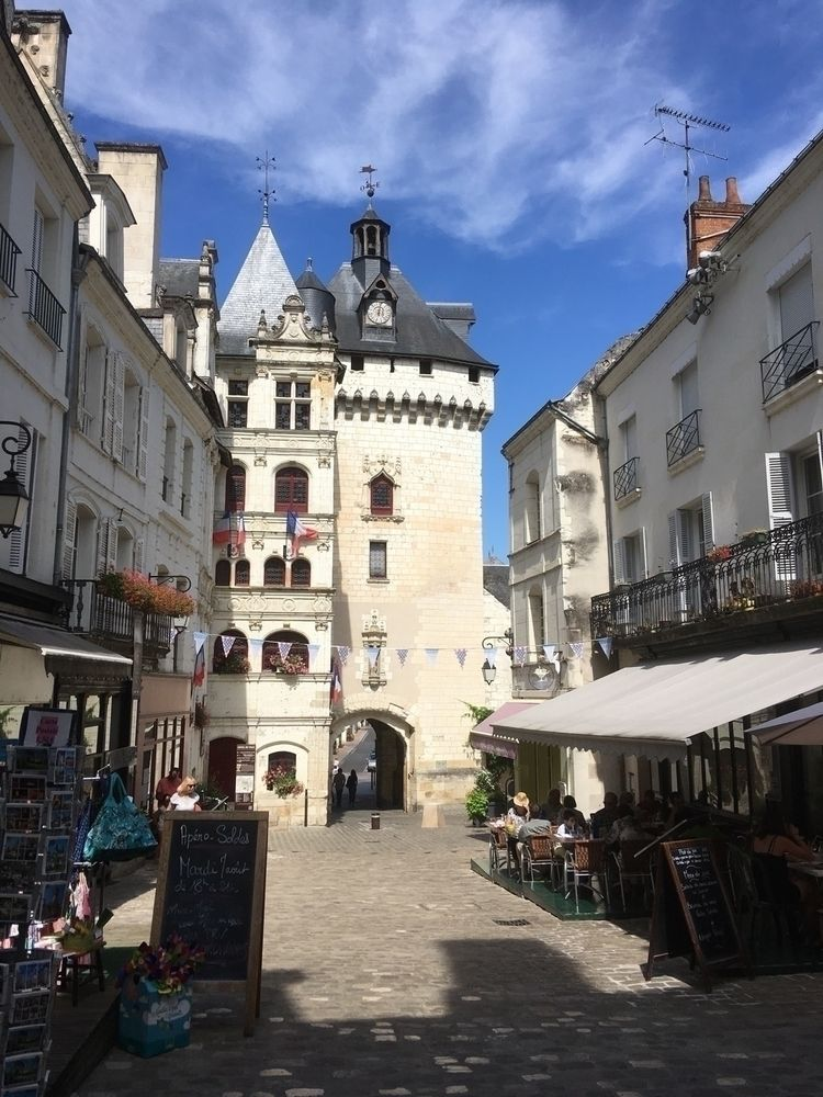 Loches Loches, France lots peop - oceanromeo | ello