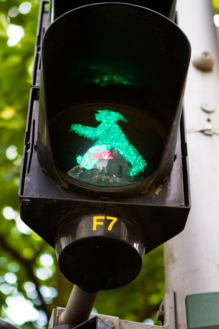 Ampelmännchen / Traffic Light M - peligropictures | ello