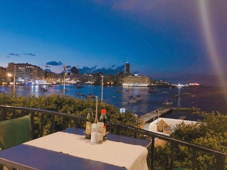 weekend Malta. ate dinner frien - tn79 | ello
