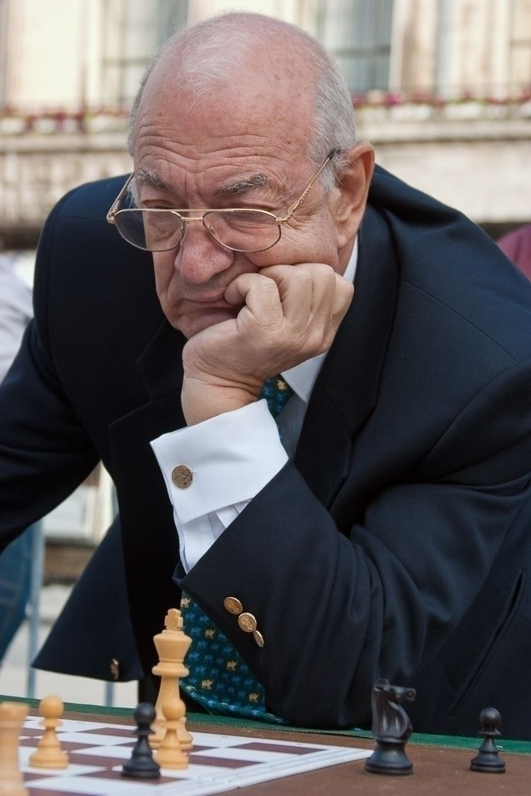 loving memory Viktor Korchnoi.  - pentaxke   ello