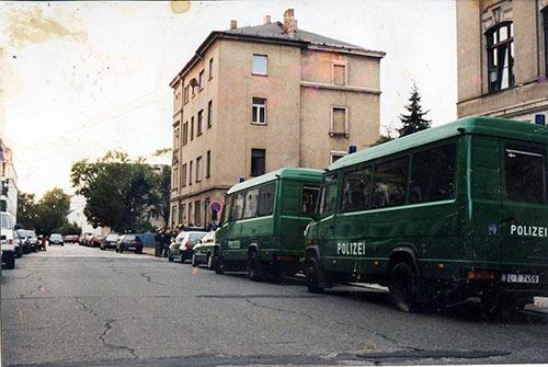03. Oktober 1999 wurde die Robe - rm16   ello