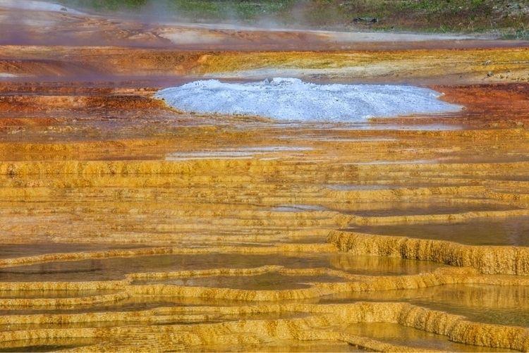 MammothHotSprings, Yellowstone - turgutmakbak | ello