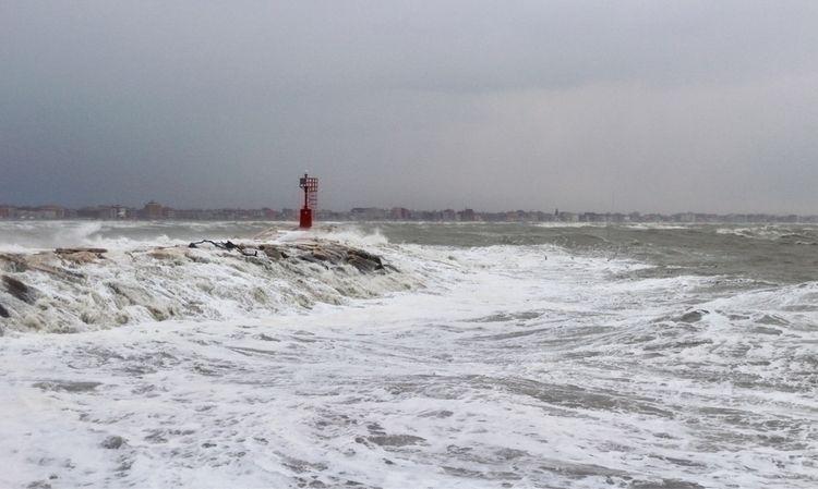 Rimini, Porto Tempesta sugli sc - paolonucci | ello