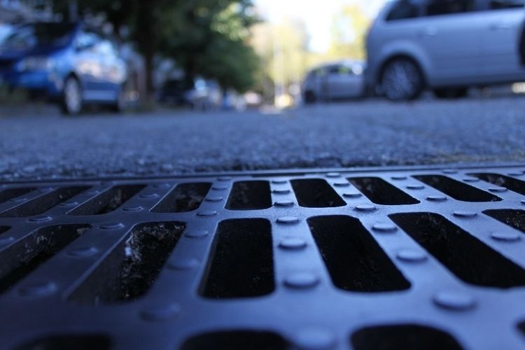 sewer#black#closertotheground - vanessa_kovalenko | ello