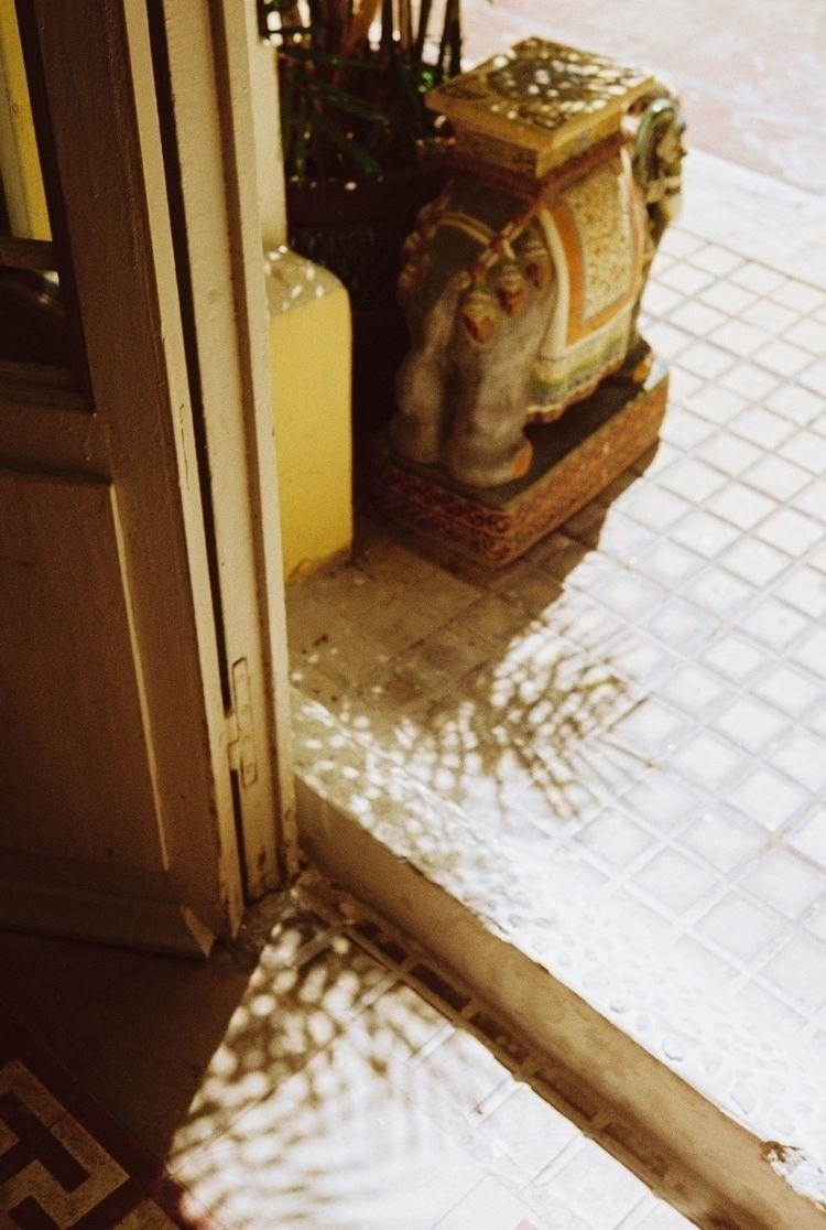 Memory ceramic elephant - mengdimonk | ello