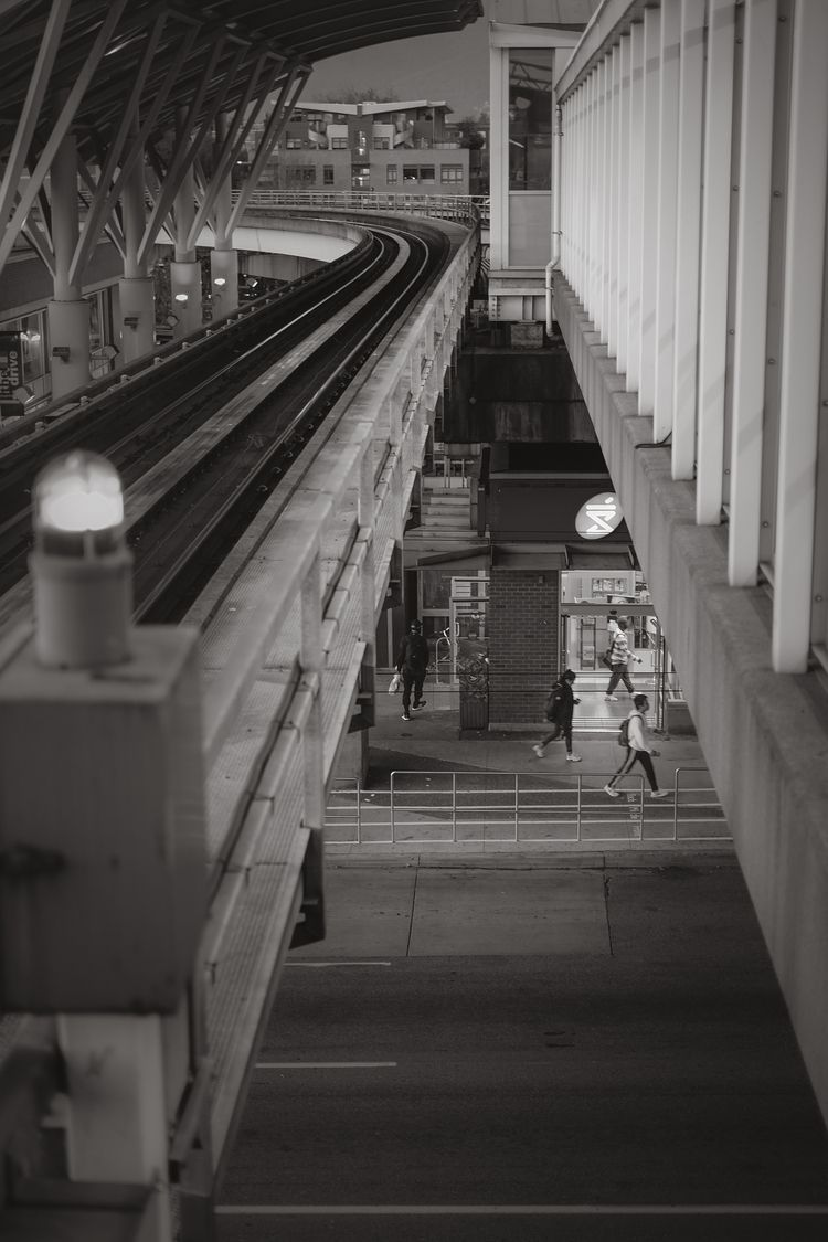 delays train peer track - aovbnw - kch | ello