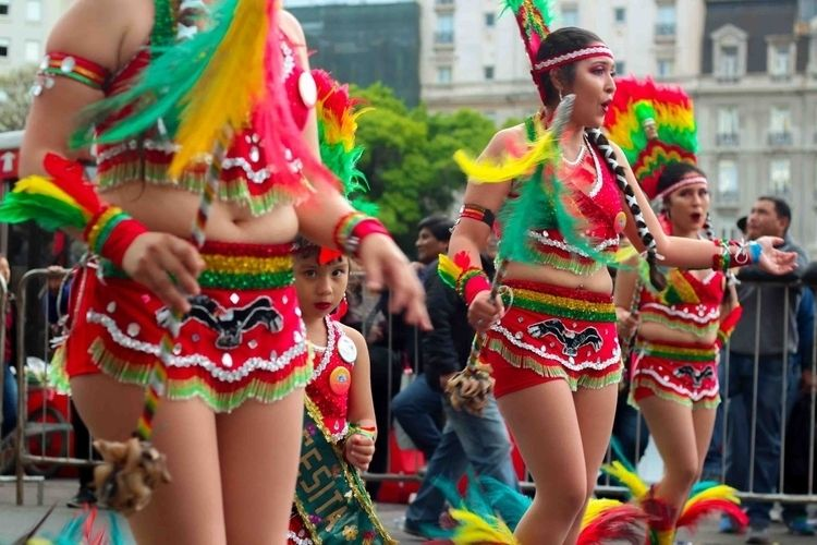 dancer traditional Bolivian par - dante | ello