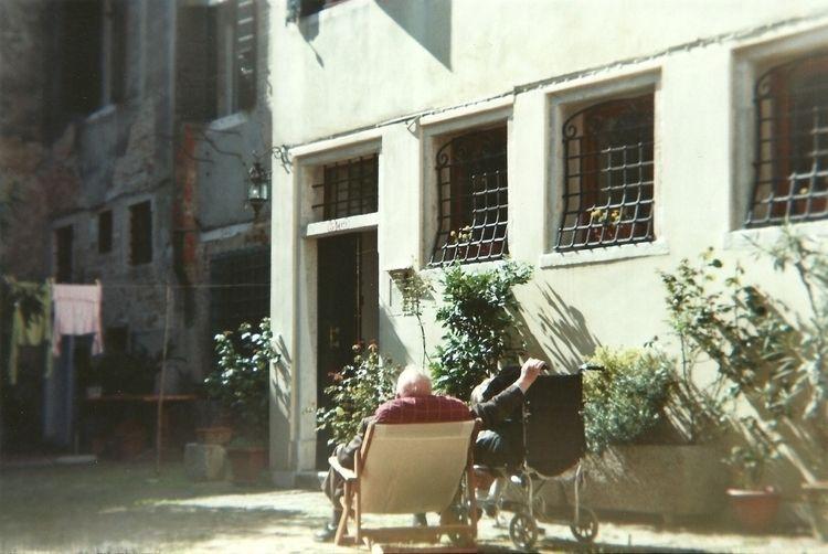 Untitled, Holga 120CGFN, Venice - gennara | ello