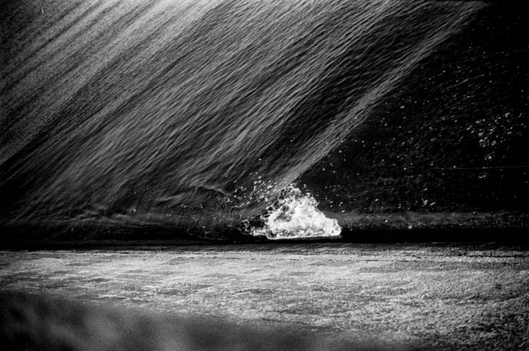 blackwhite, BNW, sea, analog - loyph | ello