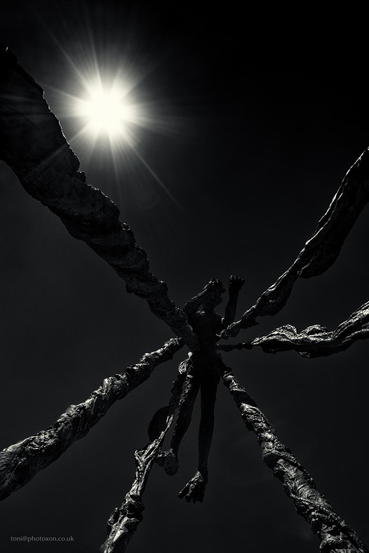 Icarus melts. London, UK 2018 - toni_ertl   ello
