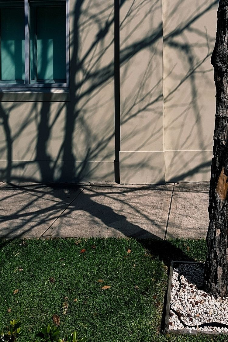 Shadow, lay Shadows. Stanmore,  - donurbanphotography | ello