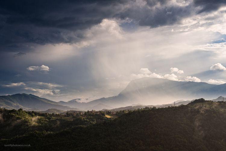 Evening Lisciano. Marche region - toni_ertl | ello