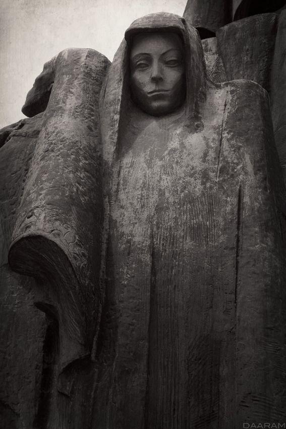 Monument: Study monument homage - daaram | ello