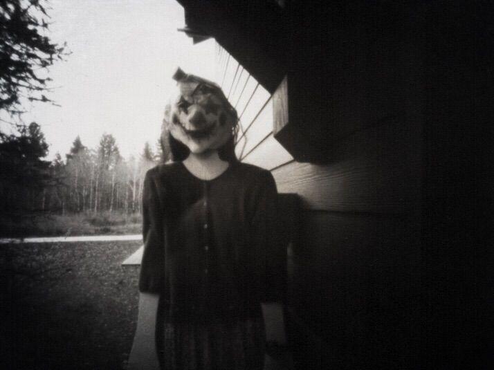 Halloween clown hanging Pinhole - katznjamn31545 | ello