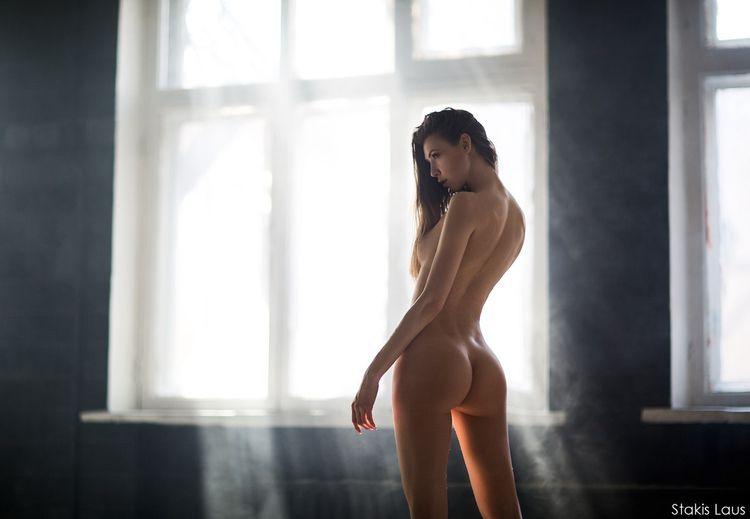 brunette, tits, ass, naked, nude - ukimalefu | ello