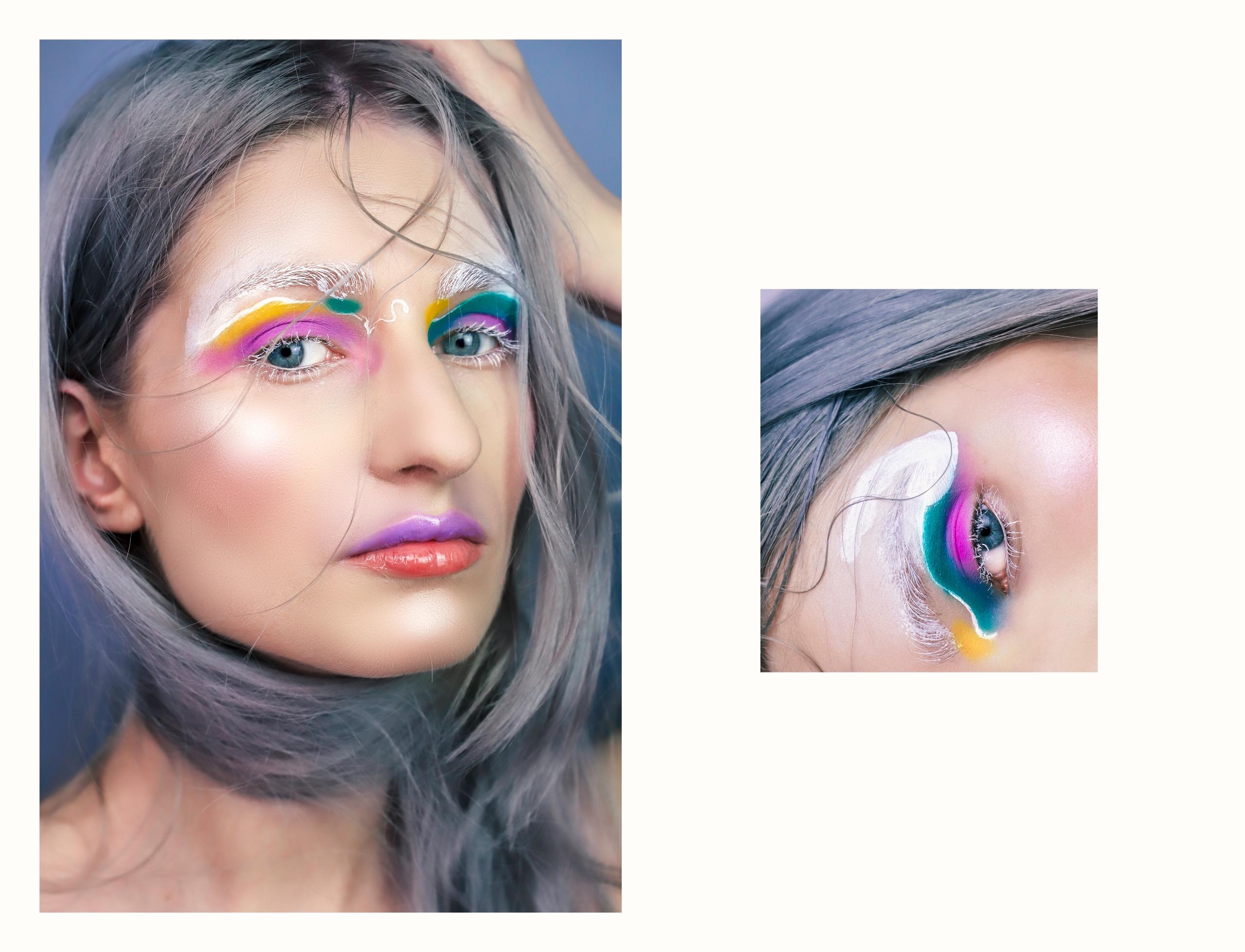 Obraz przedstawia dwa zdjęcia. Na zdjęciu z lewej strony widzimy portret kobiety w kolorowym makijażu. Po prawej stronie widzimy małe zdjęcie oka.