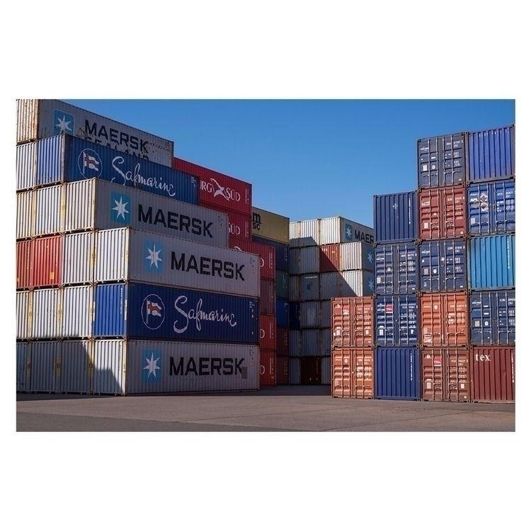 Container field - container, photography - francoisderivoyre | ello