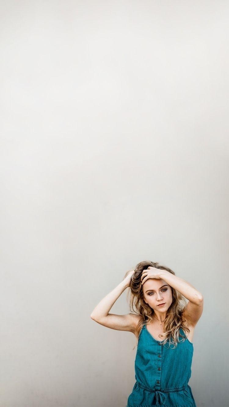 zoom Model: Emma Sherman - dave_xt | ello