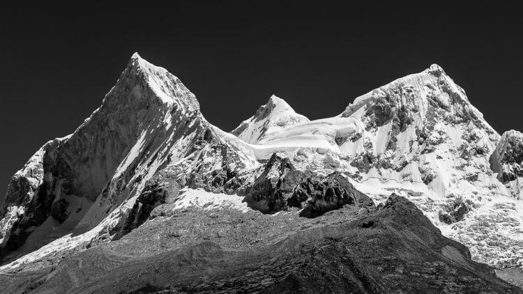 Huandoy, Cordillera Blanca, Per - papa_delta | ello