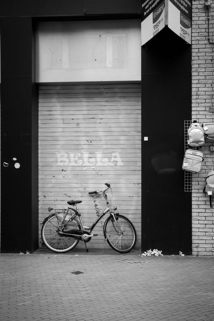 Bella - urban, street - paulgriffiths | ello